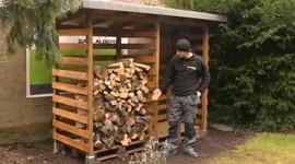 Bau eines Kaminholzunterstands